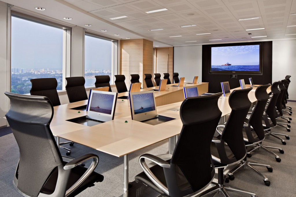 "A ""smart"" meeting room with retractable & integratable monitors"