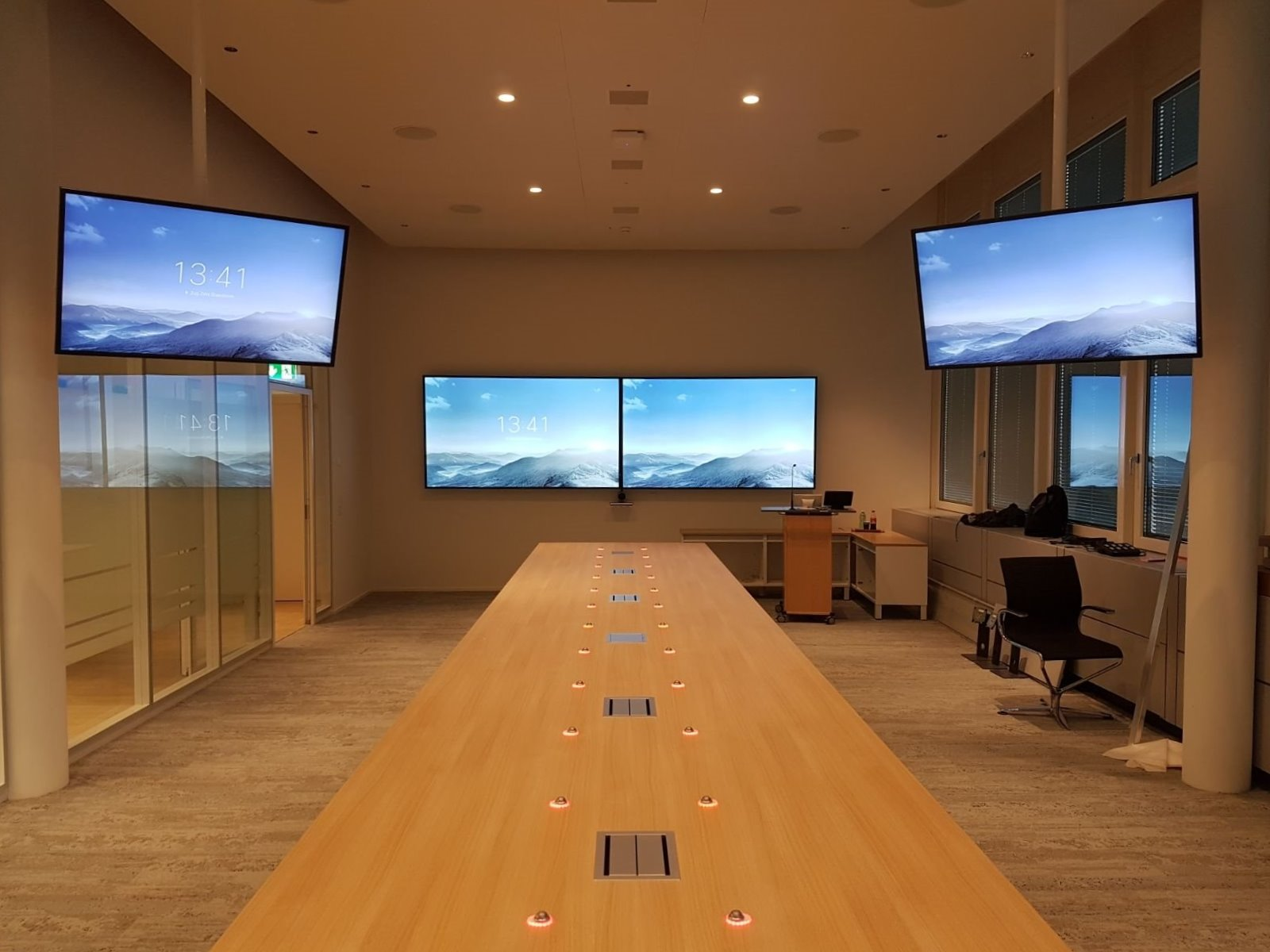 Another major project. How we delivered an incredibly simple and cost effective multimedia presentation solution for a meeting room.